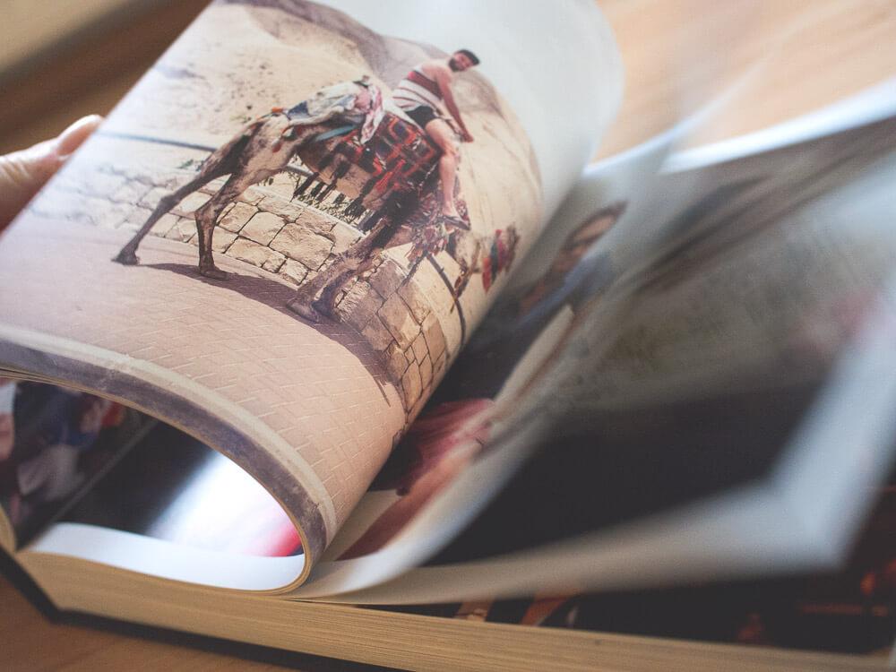Durchblättern von MMXIV von Paul Ripke