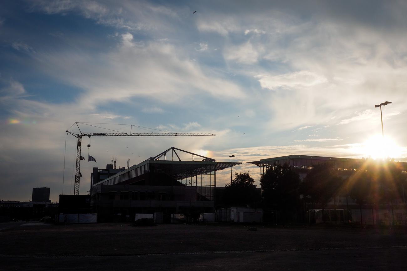 St. Pauli-Stadion im Sonnenuntergang