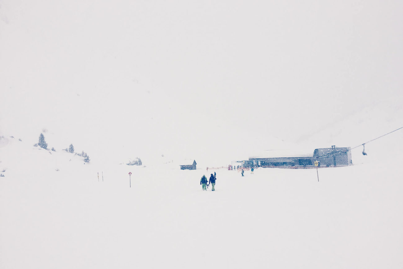 Snowboarder im Schnee