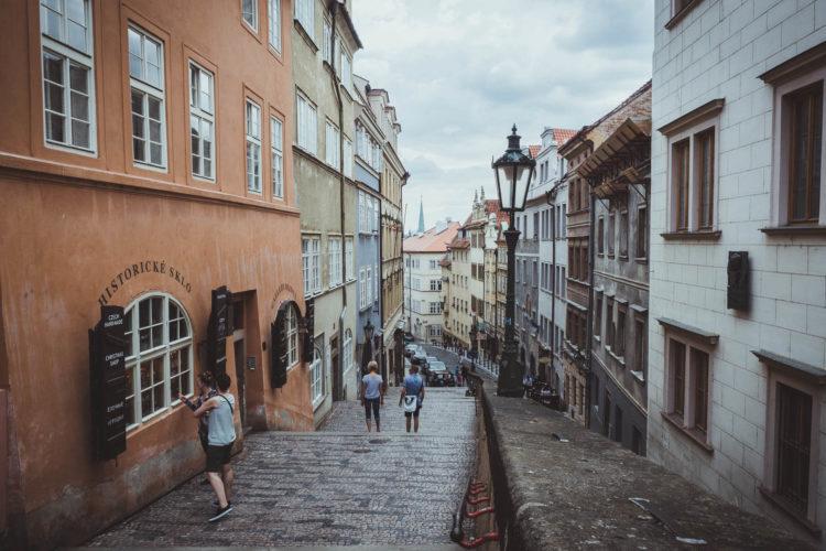 Aufstieg zur Prager Burg